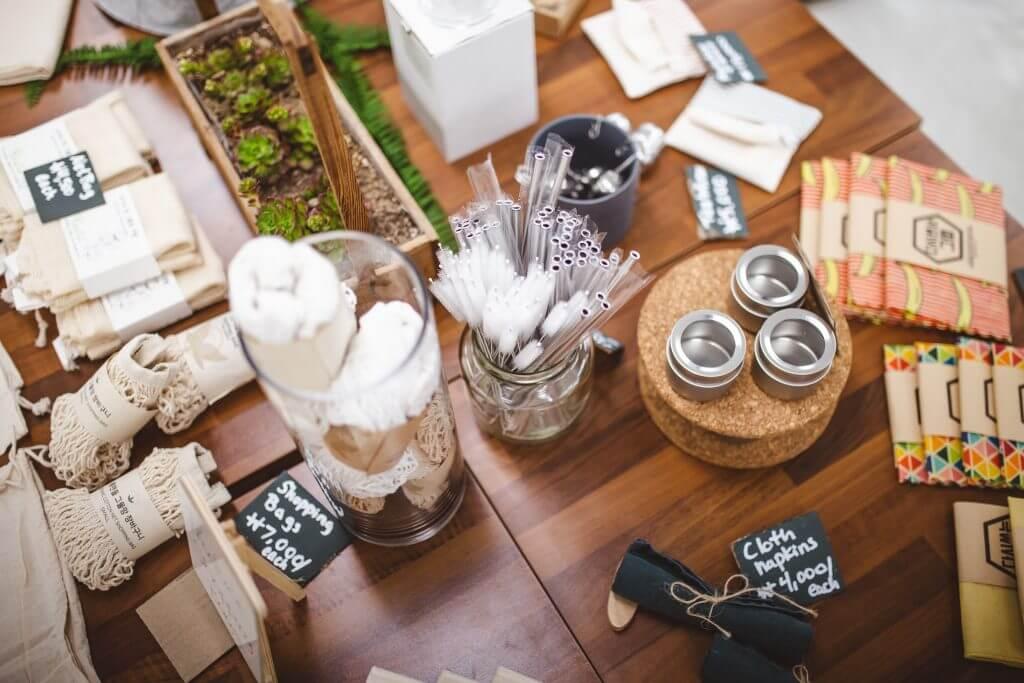 zero waste товари: вощені серветки, авоськи, багаторазові мішечки, люфа, металеві соломинки